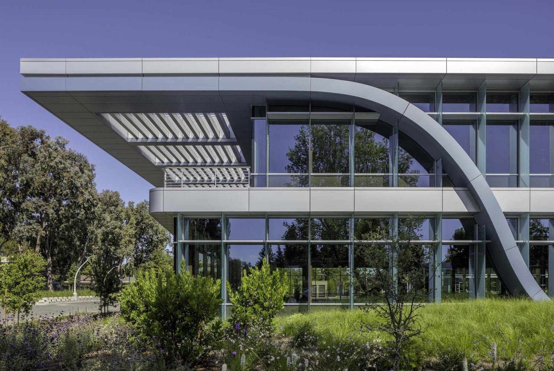 Form4 Architecture
